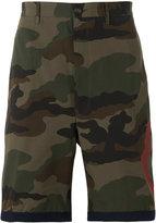 Moncler camouflage print shorts - men - Cotton - 46