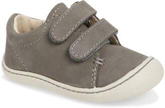 FootMates Henry Sneaker