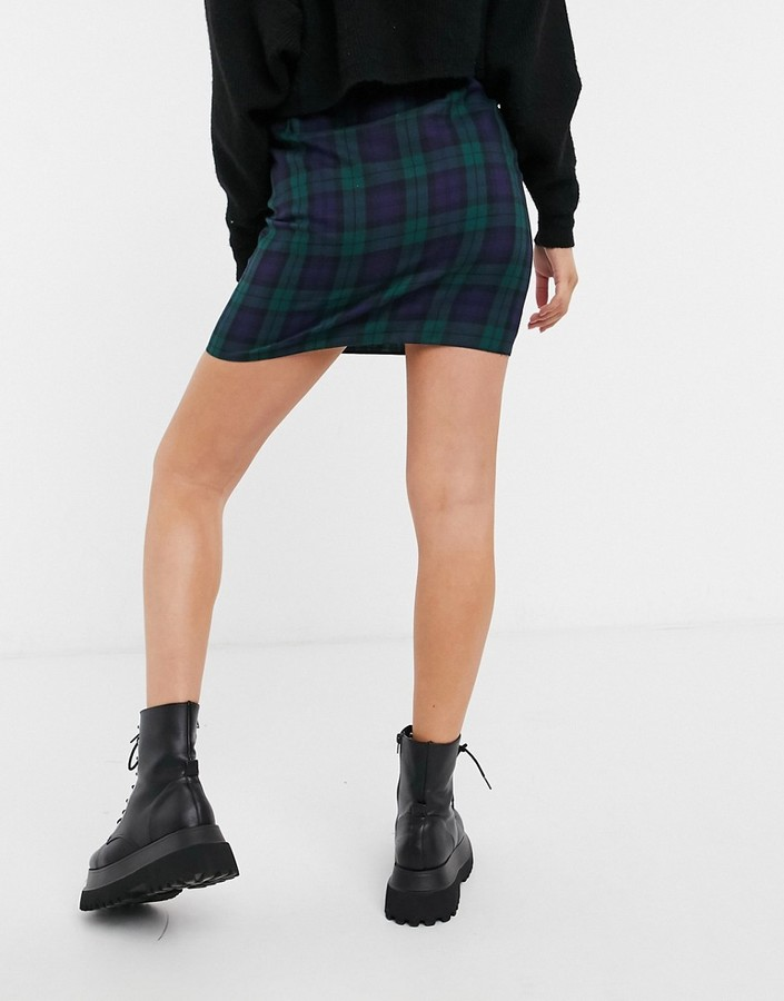 Thumbnail for your product : New Look tartan mini check skirt in green pattern