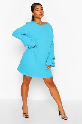 boohoo Plus Frill Sleeve Shift Dress