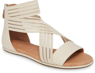 Gentle Souls by Kenneth Cole Break Sandal