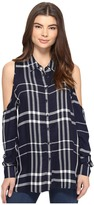 Romeo & Juliet Couture Long Sleeve Cold Shoulder Plaid Top