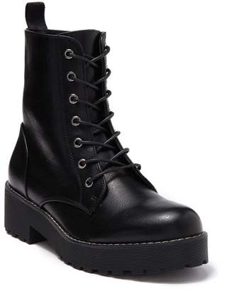 Chinese Laundry Moore Smooth Platform Combat Boot