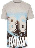 River Island MensGrey hawaiian print longline T-shirt