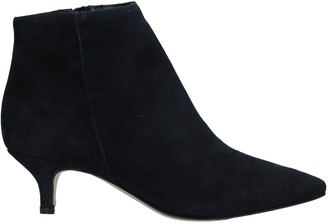 Twiggy Ankle boots