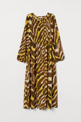 H&M MAMA Dress with smocking