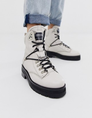 Bronx off white leather hiker boots