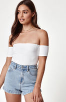 KENDALL + KYLIE Kendall & Kylie Off-The-Shoulder Ribbed Crop Top