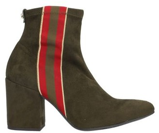 Pedro Miralles Ankle boots