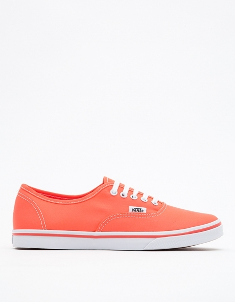 Vans Authentic Lo Pro in Coral