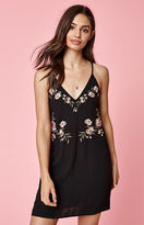 KENDALL + KYLIE Kendall & Kylie Embroidered Shift Dress