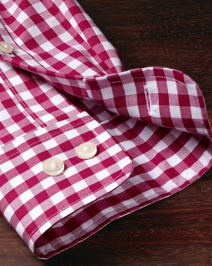 Charles Tyrwhitt Classic fit non-iron poplin red check shirt
