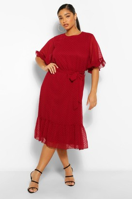 boohoo Plus Dobby Mesh Angel Sleeve Midi Dress