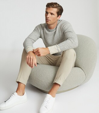 Reiss Jaxson - Ribbed Crew Neck Jumper in Soft Grey