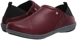 Spenco Brooklyn Slip-On (Black) Women's Shoes