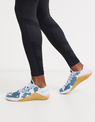 Nike Training Metcon 5 sneaker in grey camo print