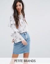 New Look Petite Floral Print Ruffle Sleeve Blouse