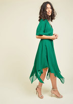 Talented Gallery Director Midi Dress in Jade in XS