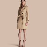 Burberry The Kensington - Long Heritage Trench Coat , Size: 02, Yellow