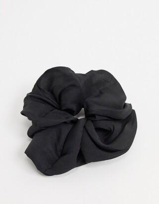 Kitsch XL Scrunchie in Black