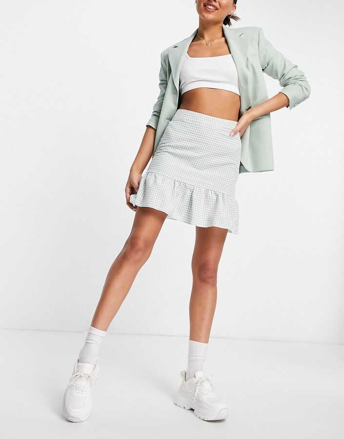 Thumbnail for your product : New Look co-ord gingam tiered mini skirt in green