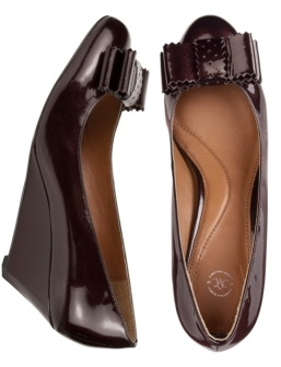 Johnston & Murphy Carrie Bow-Faceted Wedge