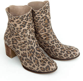 Zapato ZAPATO Women's Casual boots panterka - Brown Leopard Stacked-Heel Leather Bootie - Women