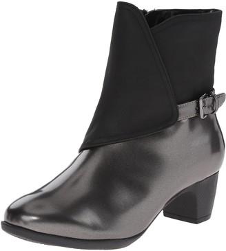SoftWalk Women's Puddles Rain Boot
