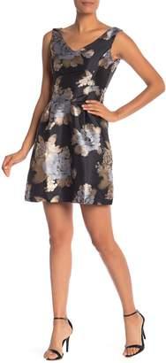 Donna Ricco Brocade V-Neck Sleeveless Dress