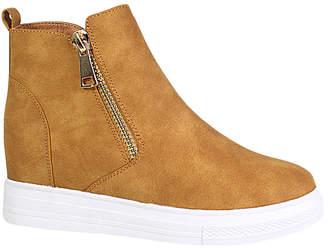 Yoki Women's Sneakers camel - Camel Demian Slip-On Sneaker - Women