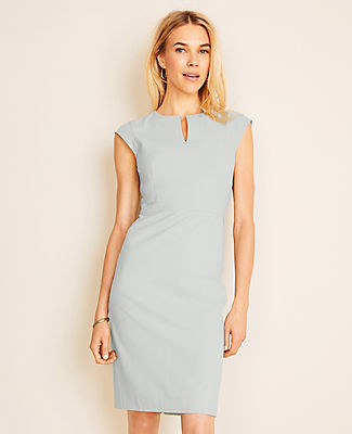 Ann Taylor The Petite Keyhole Dress in End On End