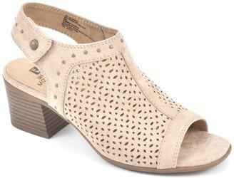 White Mountain Footwear Life Saver Block Heel Sandal