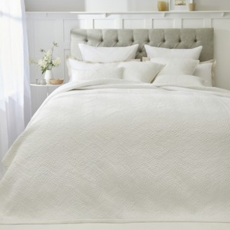 The White Company Melton Quilt, White, Single