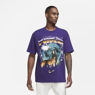 "Nike Men's Basketball T-Shirt Howlin' Moon Ball"""