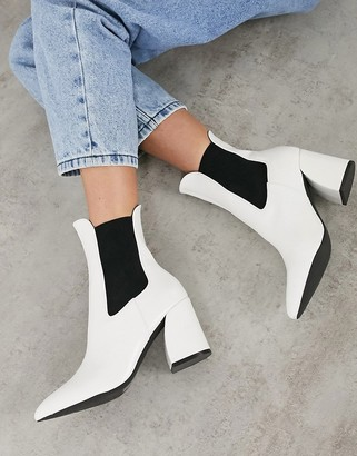New Look curved heel high ankle chelsea boot in white