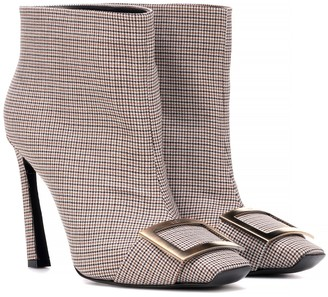 Roger Vivier Trompette houndstooth ankle boot