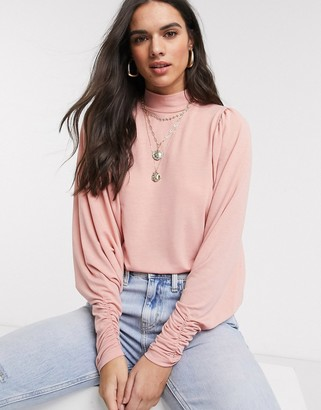 Vila Top with exaggerated sleeve in pink