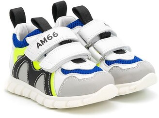 Am66 Panelled Low-Top Sneakers