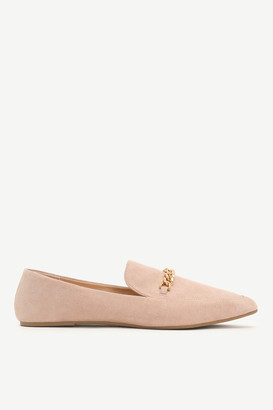 Ardene Pointy Flats with Chain Keeper
