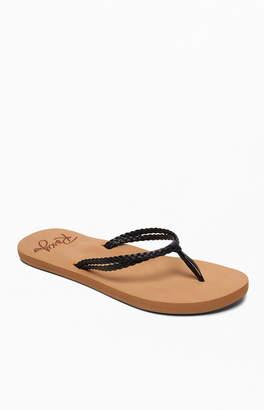 Roxy Black Costas Sandals