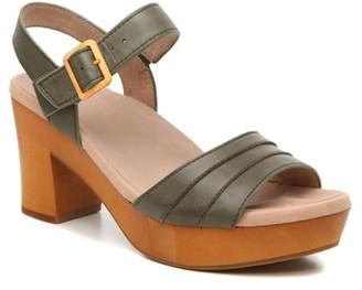 Earth Chestnut Platform Sandal