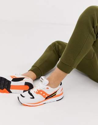 Saucony Azura OG Trainers in white / orange