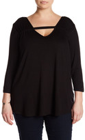 Hip Front Keyhole Shirt (Plus Size)