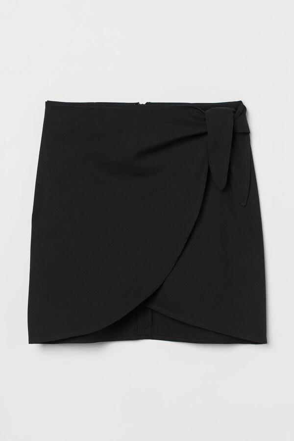 H&M Short Tie-detail Skirt - Black