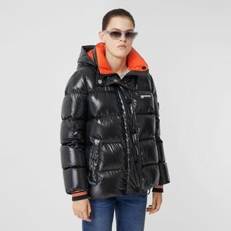 Burberry Detachabe Hood ogo Graphic Puffer Jacket