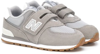 New Balance Touch-Strap Logo Sneakers