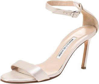 Manolo Blahnik Ivory Satin Chaos Open Toe Ankle Strap Sandals Size 37