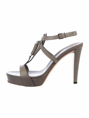 Gucci Hasler Horsebit Accent Leather T-Strap Sandals Grey