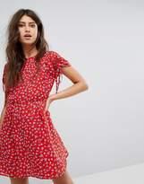PrettyLittleThing Floral Tea Dress