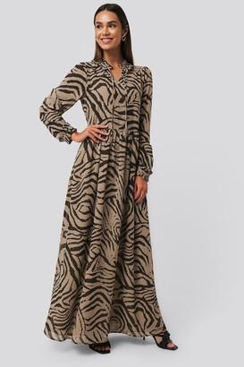 NA-KD Maxi Frill Sheer Dress
